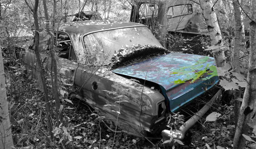 Chevrolet Nova 1963 car on which the trunk was taken and is available for the creation of an industrial table or artwork.